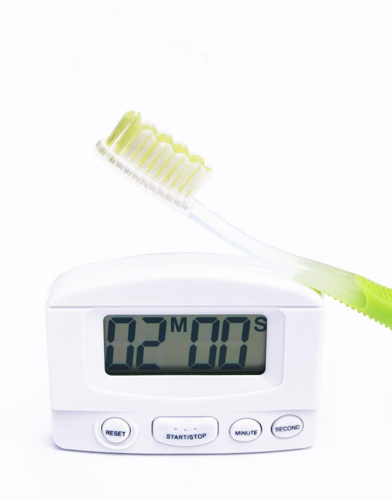se-brosser-les-dents-2-minutes
