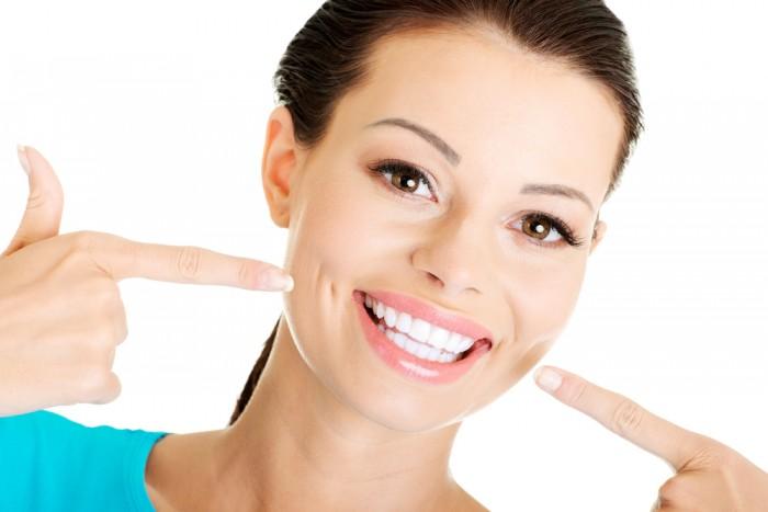 Comment avoir de belles dents droites?