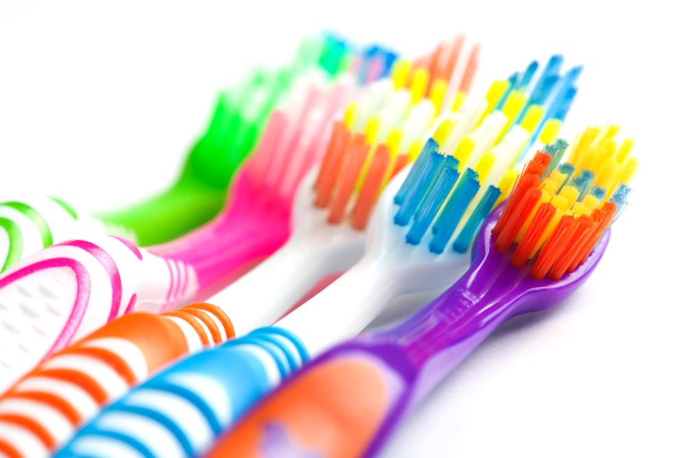 Choisir la bonne brosse à dents à Laval