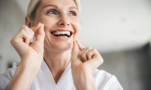 La soie dentaire est importante pour la santé dentaire